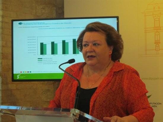 Pilar Parra presenta la Memoria de Recaudación de 2015.
