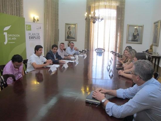 Diputación entrega ayudas a 4 cooperativas oleícolas para avanzar en su profesionalización.