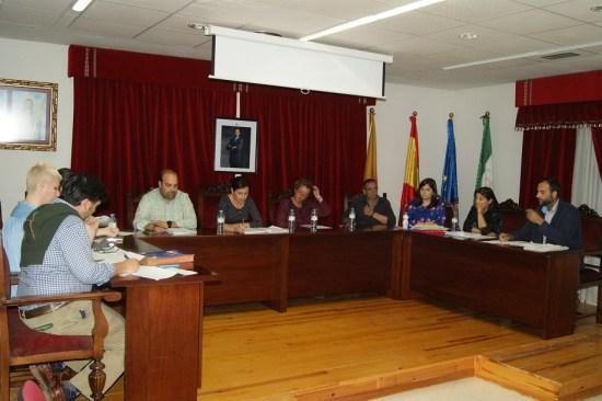 Una imagen del pleno municipal celebrado por el Ayuntamiento de Lopera.