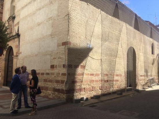 El alcalde de Andújar, Paco Huertas, durante su visita a estas obras.