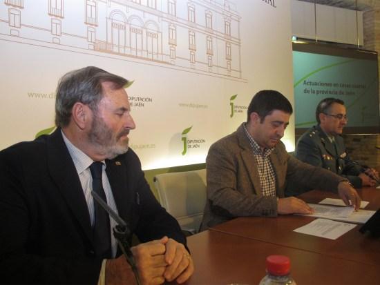 Juan Lillo, Franciso Reyes y Luis Ortega, durante la presentación de este acuerdo.