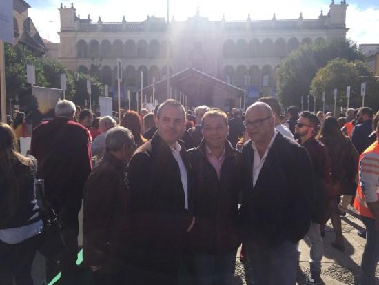 Manuel Fernández, Francisco Huertas y Jesús del Moral durante esta segunda jornada de la III Fiesta Anual del Primer Aceite de Jaén.