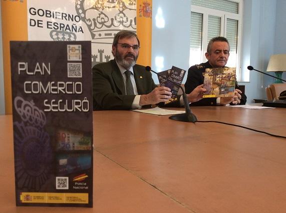 El subdelegado del Gobierno, Juan Lillo, y el comisario jefe provincial, Jesús Herranz.