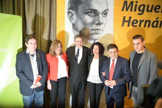 Luis García Montero, Susana Díaz, Ximo Puig, Lucía Izquierdo, Francisco Reyes y Miguel, nieto de Miguel Hernández.