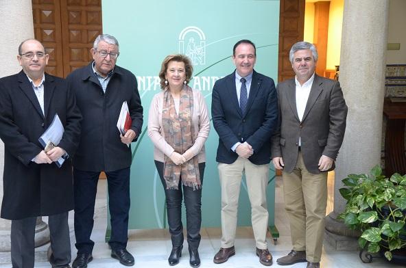 Teresa Vega, junto a José Luis Salcedo, Antonio Resola, Eduardo Sánchez y Cesáreo Granados.