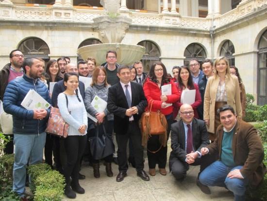 Benefiarios de las ayudas de la Diputación a proyectos empresariales de jóvenes titulados universitarios jiennenses.