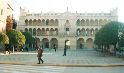 Reestructuración en varias delegaciones del Ayuntamiento de Andújar.