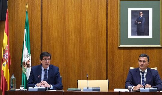 Juan Marín anuncia el anticipo del pago de la Justicia Gratuita a abogados y procuradores.