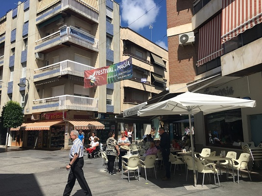 El Ayuntamiento de Andújar colabora con los hosteleros en la digitalización de las cartas y menús y su conversión en códigos QR.