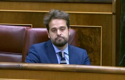 """Serrano valora la """"apuesta valiente"""" del Gobierno por el olivar tradicional."""