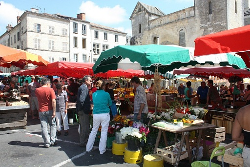 La ciudad de Andújar reanuda el servicio de mercado ambulante a partir del 2 de junio.