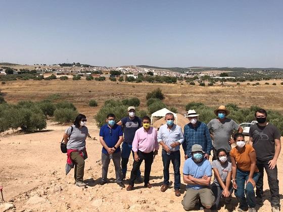 El presidente de la Diputación visita las excavaciones de la ciudad ibera de Iliturgi en Mengíbar.