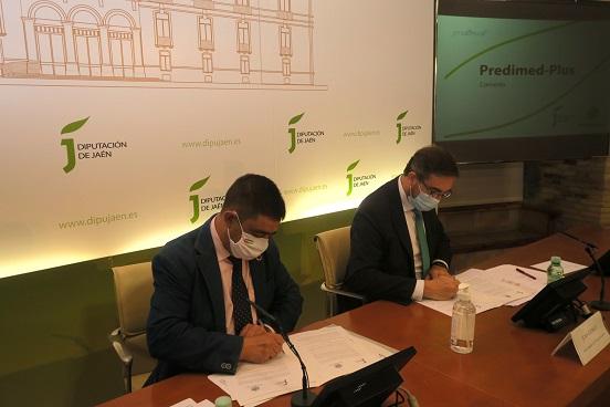 Diputación y UJA renuevan el convenio para desarrollar el Predimed-Plus y seguir dando razones para consumir AOVE.