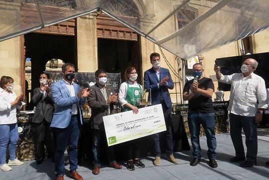 La chef Ingrid Serra, primera mujer en ganar el Premio Internacional de Cocina con AOVE de la Diputación.