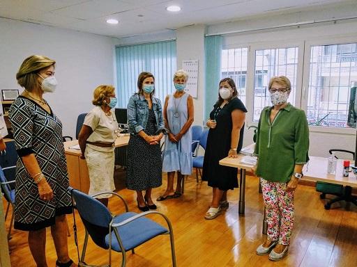 La Consejería de Salud impulsa las oficinas municipales de atención a los consumidores.