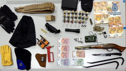La Policía Nacional detiene en Andújar a los autores de un violento robo a tres mujeres.