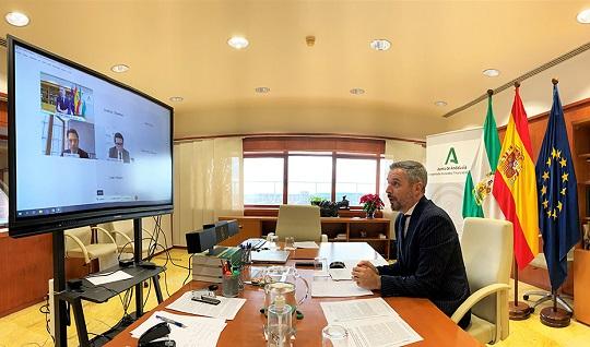 Junta y BEI firman un acuerdo para movilizar hasta 250 millones de euros de financiación para el sector agrícola andaluz.