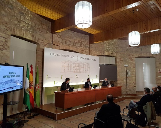 Diputación entrega 150.000 euros en cinco ayudas para la investigación en centros tecnológicos de la provincia.