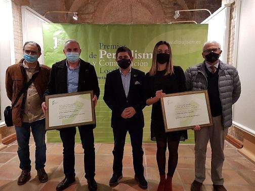 Francisco Reyes entrega a Laura Velasco y Juan Armenteros los Premios de Periodismo y Comunicación de la Diputación.