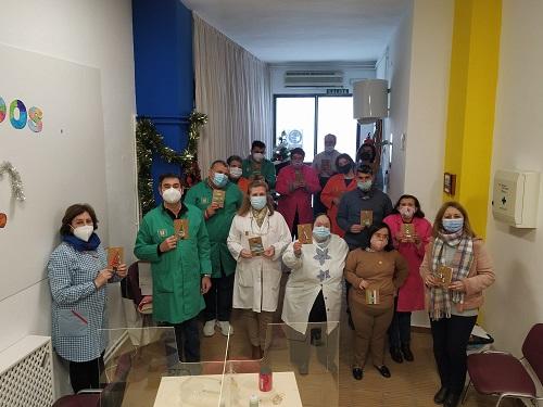 El Centro de Día Ocupacional La Fuente elabora un año más la felicitación navideña del Ayuntamiento de Marmolejo.