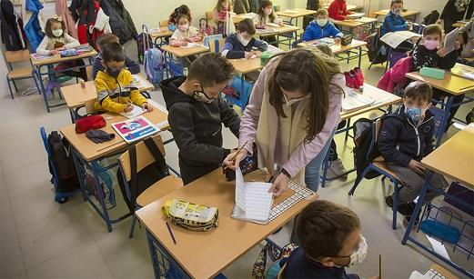 La lucha contra el abandono escolar en las zonas desfavorecidas se libra con el programa 'Impulsa'.