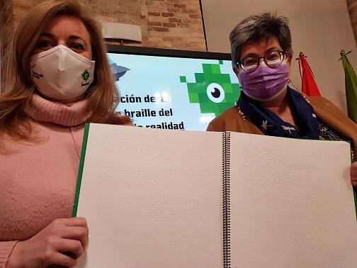 Diputación y ONCE editan en braille el estudio sobre la realidad de la juventud en la provincia.