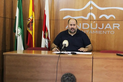 El Ayuntamiento de Andújar expresa su repulsa a los actos vandálicos sucedidos el pasado 15 de enero en los juegos infantiles en el parque de Del Val.