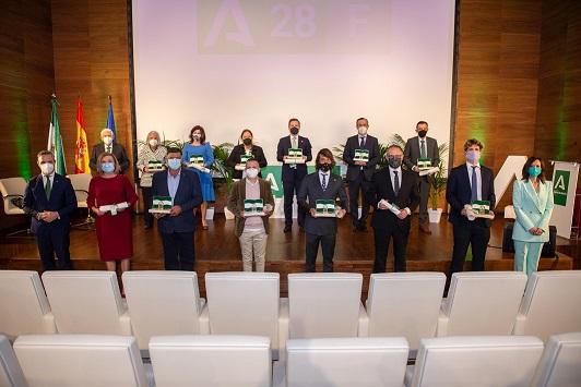 Las Banderas de Andalucía reconocen el talento, la solidaridad y el empuje que atesora Jaén.