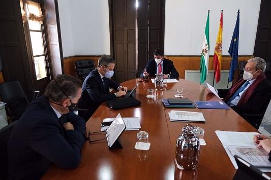 Juan Marín anuncia la firma de un convenio con el Ayuntamiento de Linares para la cesión de los antiguos terrenos de Santana.