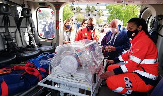 Andalucía, primera comunidad con helicóptero del 061 para emergencias en condiciones adversas.