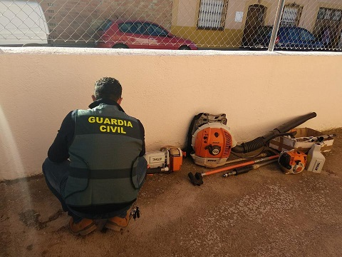 La Guardia Civil investiga a siete personas como presuntas autoras de Hurto.