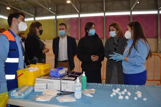 La Junta vacuna hasta este viernes a 5.000 mayores de 80 años en el 'Jaén Arena'.
