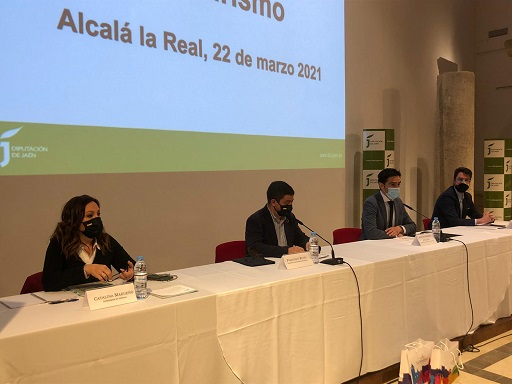 La subdelegada pone en valor las numerosas medidas del Gobierno para impulsar y modernizar el sector hostelero y turístico de Jaén.