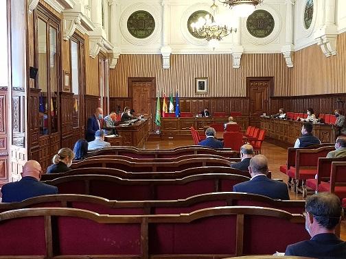 Un total de 69 municipios destinarán 8,8 millones de euros del Plan Provincial de la Diputación a pagar servicios.