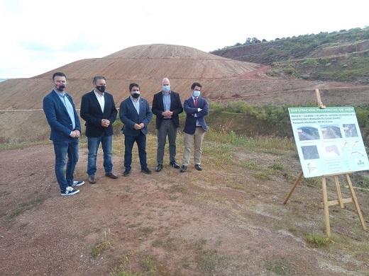 La Diputación destina 835.000 euros al sellado y restauración de la escombrera de Linares.