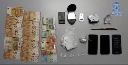 La Policía Nacional detiene en Andújar a dos personas por tráfico de drogas.