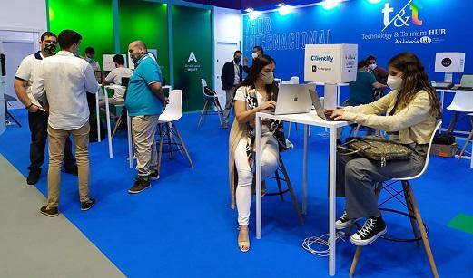 Unas 24.000 personas visitaron el expositor de Andalucía en Fitur en las jornadas profesionales.