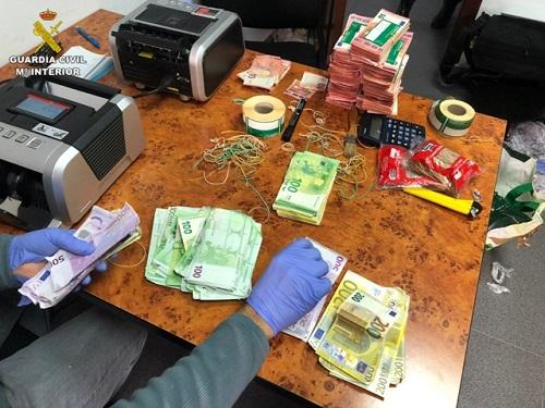 La Guardia Civil desarticula un grupo criminal dedicado al tráfico internacional de cocaína.
