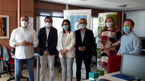 Jaén conmemora el Día de Internet impulsando el proyecto pionero de la Junta STEAM, de investigación aeroespacial para escolares.
