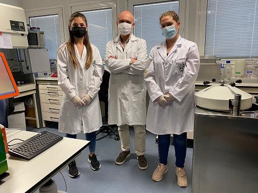 Investigadores de la UJA y Hospital de Jaén determinarán la efectividad de la vacuna contra el COVID-19 en sanitarios.