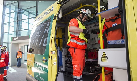 Trasladado al hospital un trabajador tras sufrir un accidente en la Catedral de Jaén.