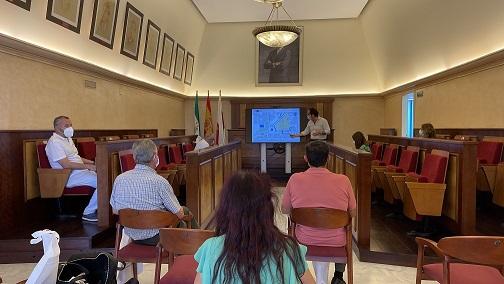 Comienza la exposición a vecinos, colectivos y empresarios del proyecto de Regeneración y Humanización del Ecosistema Natural y Cultural del Eje Parque Colón-Ribera del Guadalquivir.