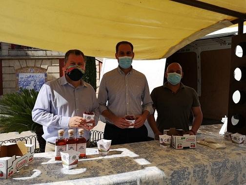 El diputado de Agricultura, Ganadería, Medio Ambiente y Cambio Climático asiste en Arjona a la Muestra Provincial de la Cereza.
