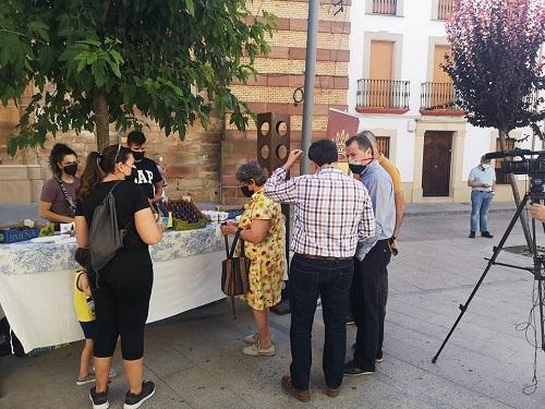 El diputado de Agricultura, Ganadería, Medio Ambiente y Cambio Climático asiste en Marmolejo a la celebración de la VIII Muestra de la Breva de Jimena.