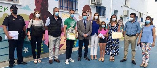 El Ayuntamiento reconoce la labor de los Centros Educativos de Andújar durante el curso 2021/2022.