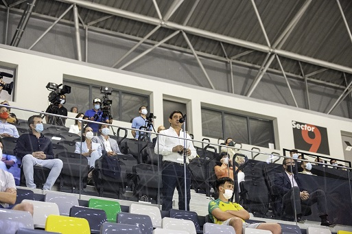 El Olivo Arena inaugura su actividad con un partido entre el Jaén Paraíso Interior FS y el Software Delsol Mengíbar FS.