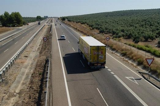 """La DGT activa mañana el dispositivo especial de vigilancia y control de las carreteras en la primera """"Operación del verano""""."""