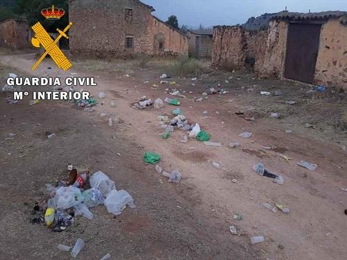 """La Guardia Civil disuelve dos """"Botellones"""" y formula 93 denuncias."""