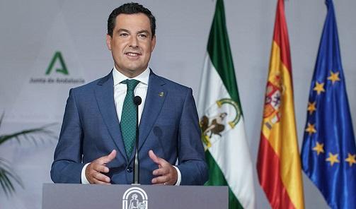 Juanma Moreno llama a vacunarse a los casi 900.000 andaluces que faltan: «Así nos protegemos todos».