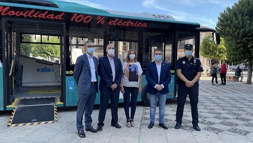 El Ayuntamiento evalúa las prestaciones que ofrece un autobús eléctrico en el viaje de Andújar hasta el Santuario de la Virgen de la Cabeza.